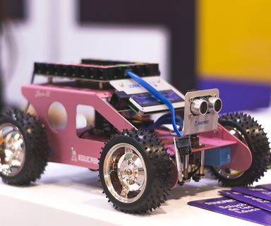 Control robots with arduino by the FLACRA Team